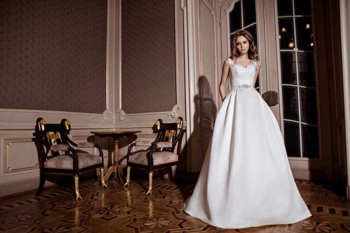 da76cc16d16 Свадебные платья  модные тенденции 2017 года